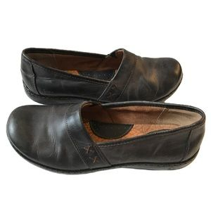 Born BOC Leather Clogs Slip On Mules Shoes 9.5